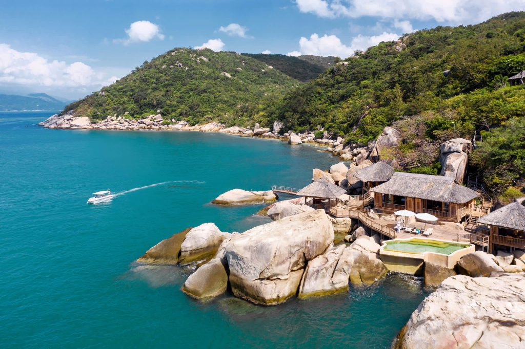 ninh_van_bay_vietnam_the_rock_retreat
