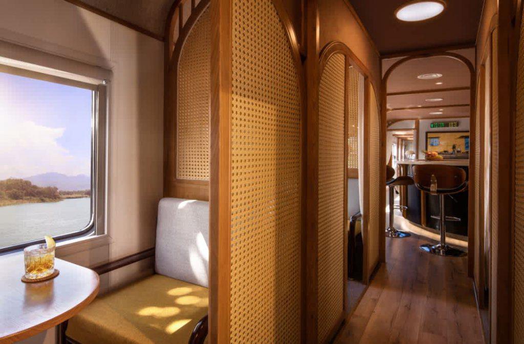 Train Hoi An - Quy Nhon / Vietage 01